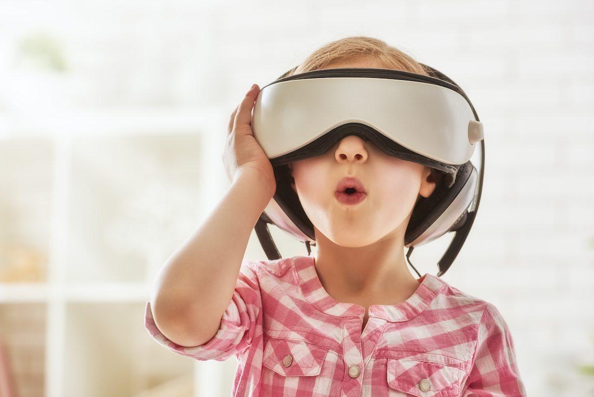 How Virtual Reality Enhances STEM Education